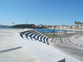 General view of the Beach and the Paseo Maritimo