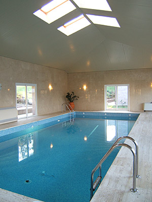 Heated pool  11 x 5 m