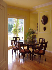 Dinning area from entrance door.